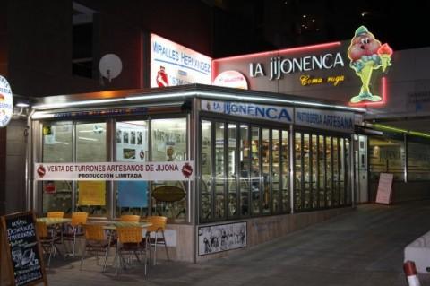 la-jijonenca-coma-ruga-local-015